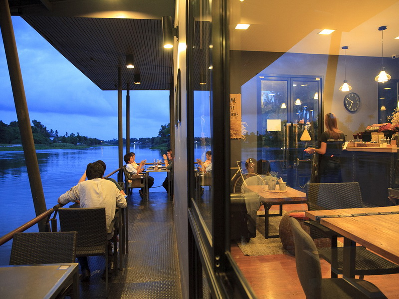 11. Riva floating cafe 3