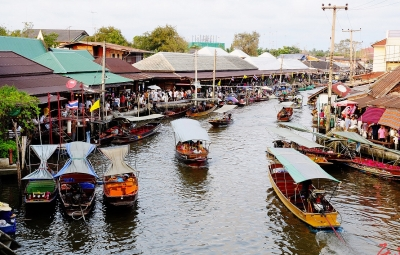 Amphawa Floating Market, 2 hr from Bangkok